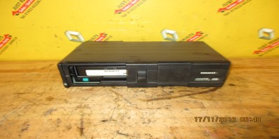 Espace 2003-2006 Used Cd Disk Changer 8200207100